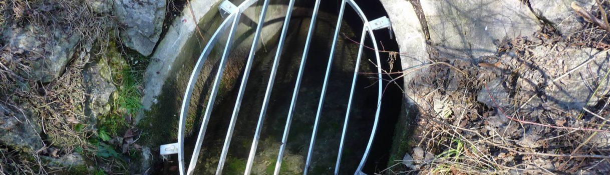 Hochwasserschutzrechen für Entwässerungsgräben